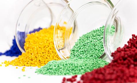 Granulate und Compounds einfärben