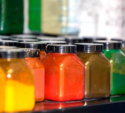 Kunststoffe färben - Farblabor