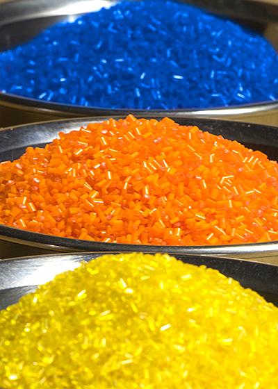 Halbich Kunststoff - Granulate / Compounds / Feinmahlgut einfärben
