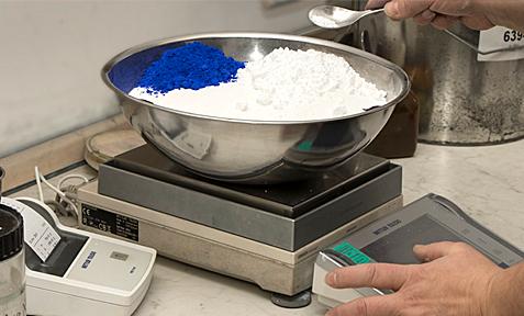 Kunststoffe einfärben in Kaufbeuren