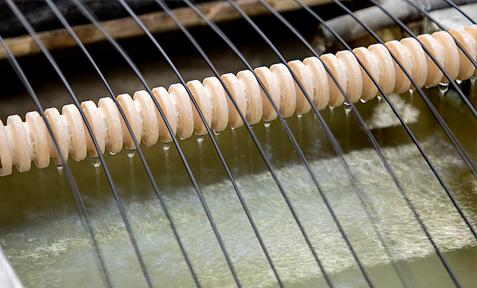 Regranulat, Lohnaufbereitung - Halbich Kunststoffe